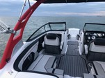 21 ft. Yamaha 212X  Bow Rider Boat Rental Miami Image 10