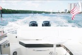 29 ft. Sea Ray Boats 290 Sundeck Bow Rider Boat Rental Miami Image 7