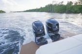 29 ft. Sea Ray Boats 290 Sundeck Bow Rider Boat Rental Miami Image 12