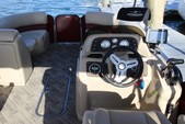 25 ft. Manitou Pontoon aurora 23 Pontoon Boat Rental Los Angeles Image 3