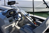 27 ft. Manitou Pontoon 26 Encore Pontoon Boat Rental Los Angeles Image 4
