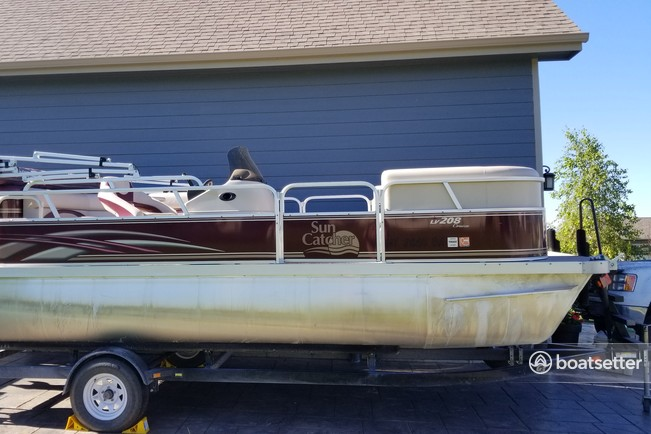 Rent a Sun Catcher G3 pontoon in Kalispell, MT near me