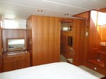42 ft. Symbol Yachts 42 Motoryacht Trawler Boat Rental New York Image 5