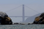 28 ft. 28' Twin Diesel Power Boat Cruiser Boat Rental San Francisco Image 3