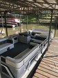 24 ft. Lowe Pontoons 24 Classic Pontoon Boat Rental Rest of Northeast Image 5