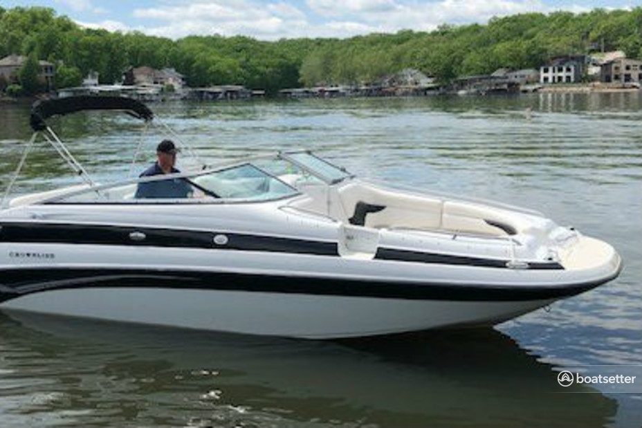 Rent a Crownline Boats bow rider in Lake Ozark, MO near me
