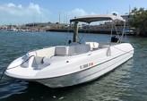 26 ft. Bayliner Rendezvous 26 Deck Boat Boat Rental The Keys Image 8