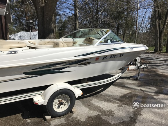 Rent a 2000 18 ft  Sea Ray Boats 180 Bow Rider in Madison, WI on Boatsetter