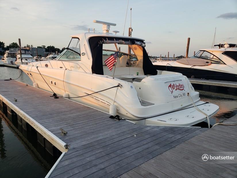 Rent a Sea Ray Boats express cruiser in Stony Point, NY near me