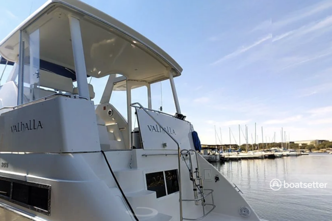Rent a Carver Yachts motor yacht in Austin, TX near me