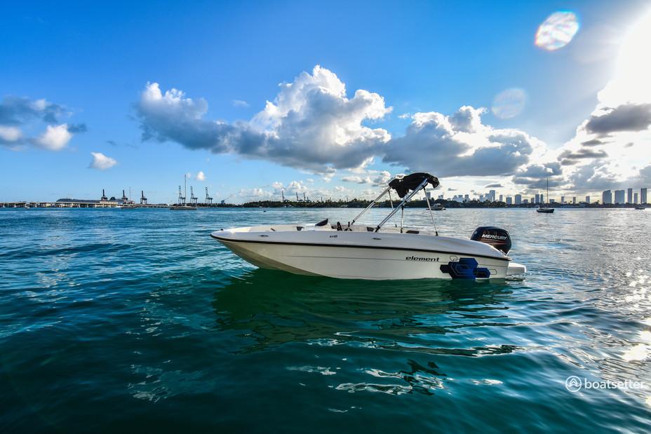 Rent a Bayliner bow rider in Miami, FL near me