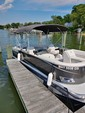 24 ft. Tahoe Pontoons 24' LTZ Cruise Pontoon Boat Rental Washington DC Image 4