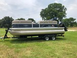 22 ft. Sun Tracker by Tracker Marine Party Barge 20 DLX w/90ELPT 4-S Cruiser Boat Rental Dallas-Fort Worth Image 1