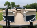 22 ft. Sun Tracker by Tracker Marine Party Barge 20 DLX w/90ELPT 4-S Cruiser Boat Rental Dallas-Fort Worth Image 2