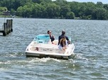 21 ft. Wellcraft 196 Step Lift Bow Rider Boat Rental Washington DC Image 6