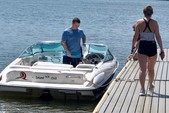 21 ft. Wellcraft 196 Step Lift Bow Rider Boat Rental Washington DC Image 3