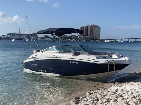 Rent a Hurricane Boats deck boat in Palm Beach Gardens, FL near me