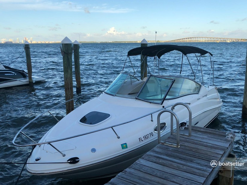 Rent a Sea Ray Boats cruiser in Key Biscayne, FL near me