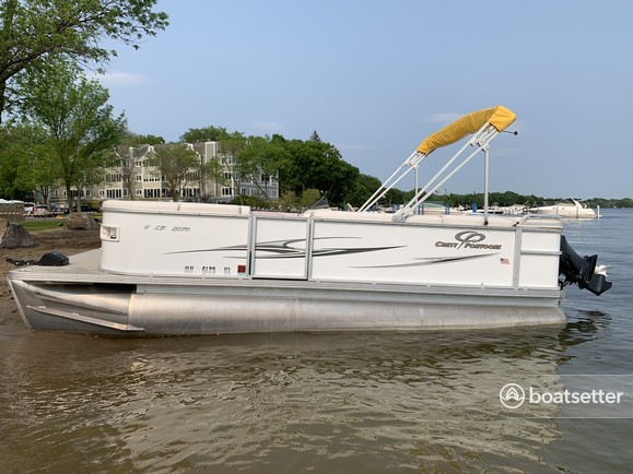 Rent A 2008 20 Ft Crest Pontoons 20 Crest Ii Le In Spring Park Mn On Boatsetter