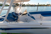33 ft. Avance VS Walkaround Boat Rental Miami Image 2