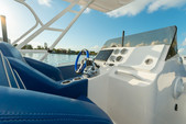 33 ft. Avance VS Walkaround Boat Rental Miami Image 5