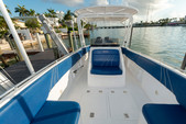 33 ft. Avance VS Walkaround Boat Rental Miami Image 9