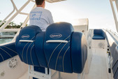 33 ft. Avance VS Walkaround Boat Rental Miami Image 12