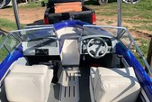 17 ft. Glastron Boats 1700 BR Ski And Wakeboard Boat Rental Dallas-Fort Worth Image 1