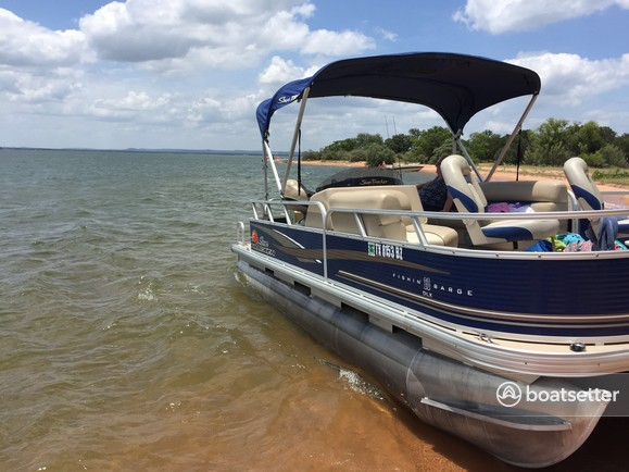 Sun Tracker Pontoon Boats >> Rent A 2013 22 Ft Sun Tracker By Tracker Marine Fishin Barge 20 Dlx Signature W 40elpt 4 S In Lampasas Tx On Boatsetter