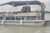 22 ft. Sun Tracker by Tracker Marine Party Barge 22 DLX w/115ELPT Pro XS Pontoon Boat Rental Miami Image 1