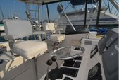 30 ft. Pursuit 3000 Offshore Fish And Ski Boat Rental New York Image 3