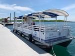 30 ft. Other pontoon Pontoon Boat Rental Chicago Image 17