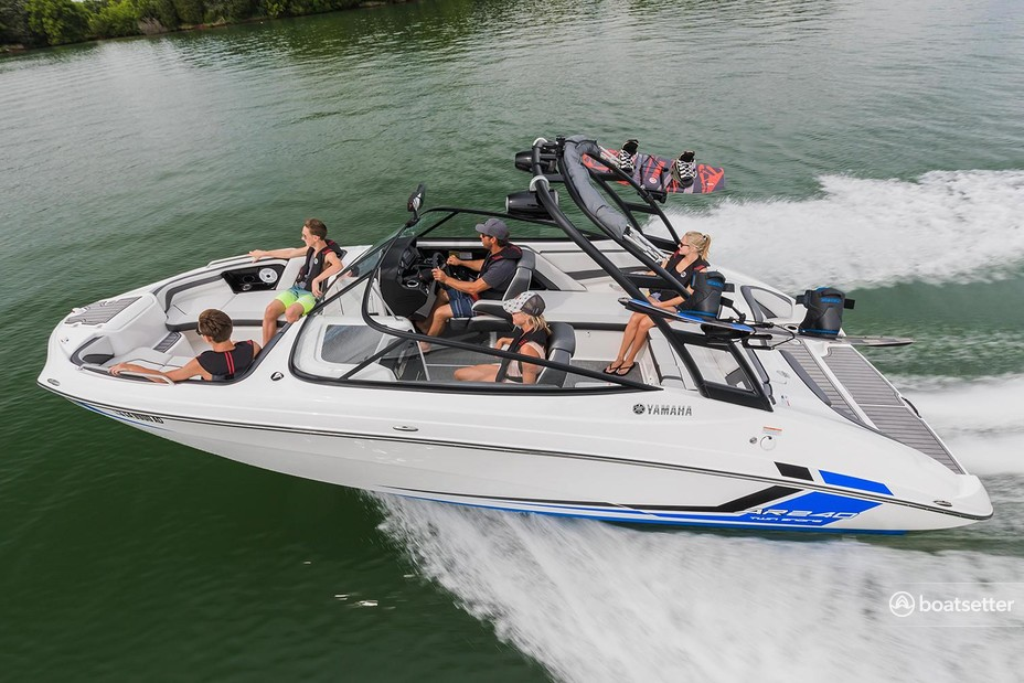 Rent a Yamaha jet boat in St. Petersburg, FL near me