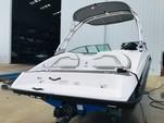 19 ft. Yamaha AR190  Bow Rider Boat Rental Jacksonville Image 3