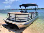 24 ft. Lexington 523 Pontoon Boat Rental Miami Image 9