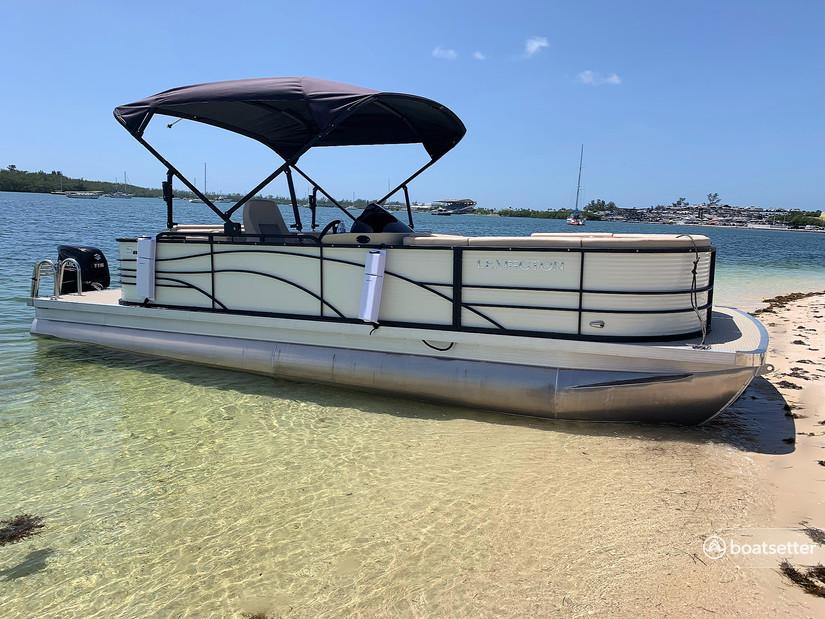 Rent a Lexington pontoon in Miami Beach, FL near me