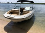 23 ft. Sea Ray Boats 230 SLX  Bow Rider Boat Rental Miami Image 2