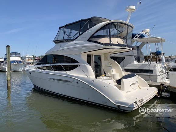 Rent a Meridian Yachts motor yacht in Washington, DC near me