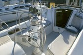 27 ft. Catalina 270 Fin Sloop Boat Rental San Diego Image 3