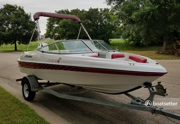 Rent a Four Winns Boats bow rider in Grapevine, TX near me