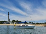 25 ft. MacGregor Yachts 25 Daysailer & Weekender Boat Rental Boston Image 8