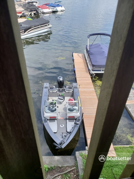 Rent a Tracker by Tracker Marine center console in Okauchee Lake, WI near me