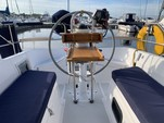 33 ft. Hunter Hunter 33.5 Cruiser Boat Rental Chicago Image 1