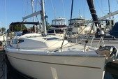 34 ft. Hunter Hunter 33 Cruiser Boat Rental San Diego Image 1