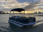 18 ft. Hurricane Gulfstream Cruiser Boat Rental Miami Image 4