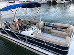 18 ft. Hurricane Gulfstream Cruiser Boat Rental Miami Image 8
