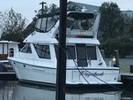 46 ft. Bayliner 3988 Command Bridge Motor Yacht Boat Rental Rest of Northeast Image 4