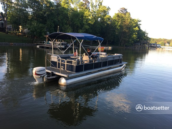 Rent a Harris FloteBote pontoon in Charlotte, NC near me