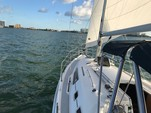 31 ft. Hunter 31 Daysailer & Weekender Boat Rental Miami Image 6