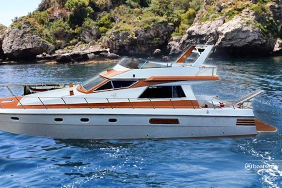 Rent a VZ motor yacht in Giardini Naxos, Sicilia near me